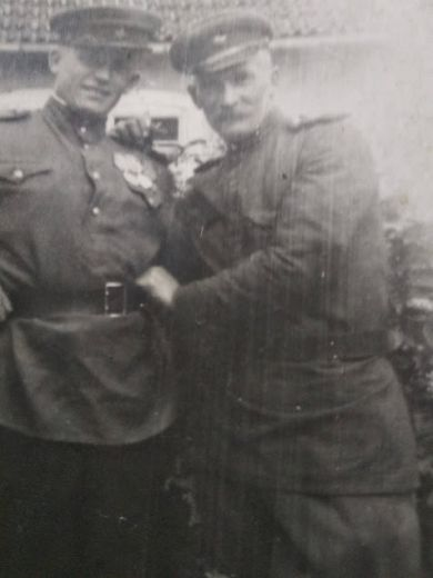 Теплов Алексей Александрович (слева)