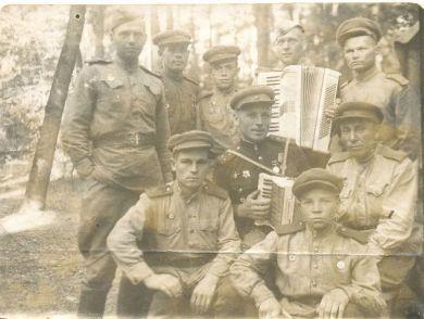 Бойцы 136 гв. арт. полка 68 гв. стр. див.