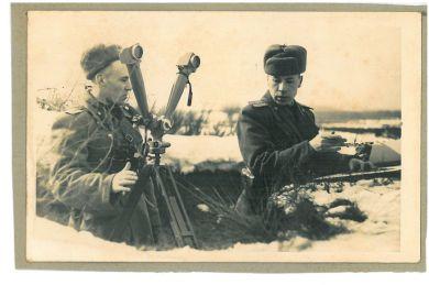 Константин Травкин (справа)