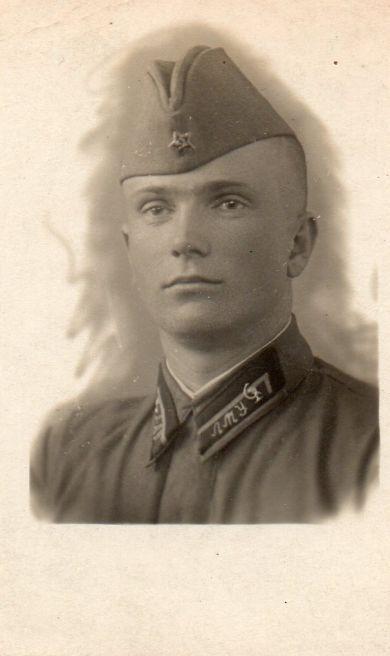В. Безнощенко