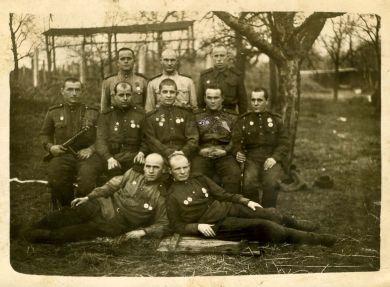 Группа раненых ветеранов