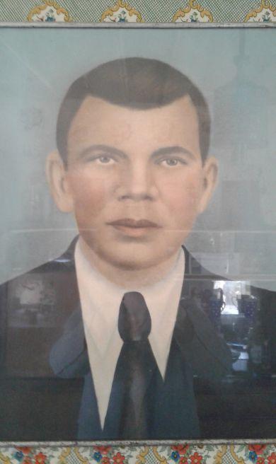 Григорий Плоткин