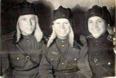 Слева направо: Алексеев, Тверцовский (Тверезовский)