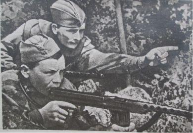 Разведчики Залевский и Козелков