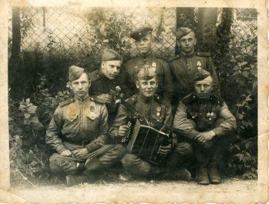 Бойцы 135-й армейской пушечной артбригады