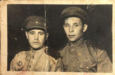 Ванин Василий Петрович (справа) и Дегтярев Илья Владимирович