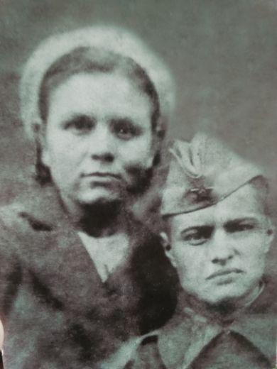 Мрыхина Варвара Иосифовна и Геннадий (Георгий?)
