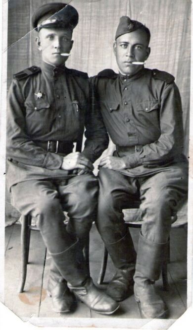 Малахов Владимир Фёдорович (слева)