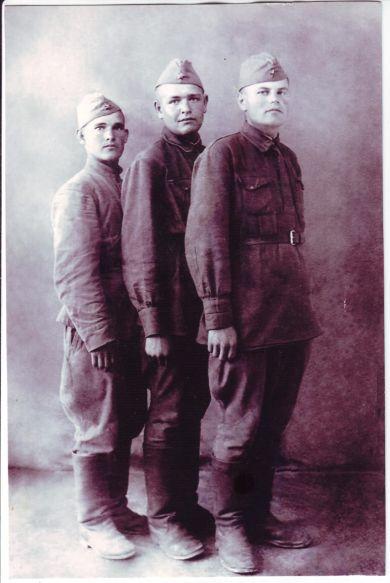 Москальченко Сергей Павлович (на переднем плане)