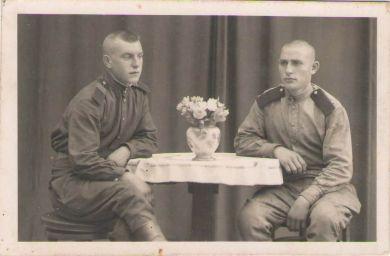 Баринов Владимир Иванович (слева)