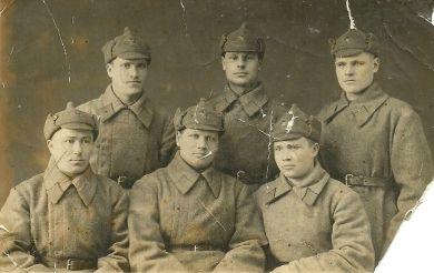Курсанты стрелковой школы