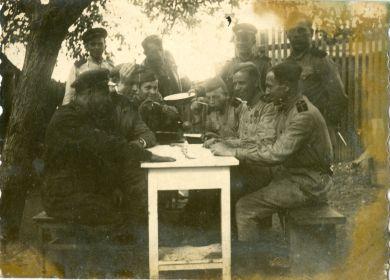 Алексей Петрович Ануркин с сослуживцами