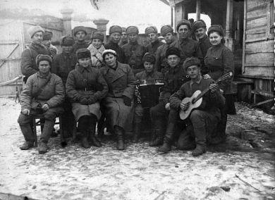Известны женщины-военнослужащие: Мушикьян, Москалева, Соболева,  Блохина, Бородина, Павлович, Богданова.