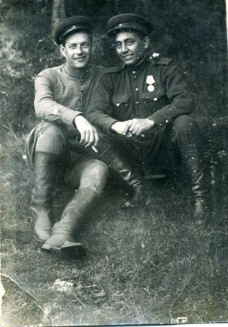 Султангильдин Зайляш Фатихович (справа)