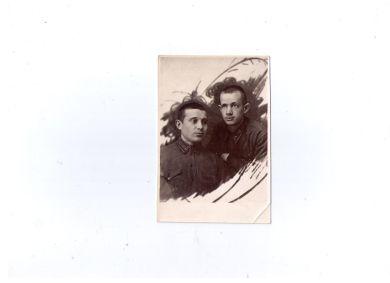 Лазарев Николай Федорович (слева)