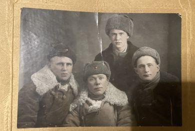 Желудков Николай Васильевич (справа)