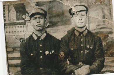 Попов Андрей Васильевич с товарищем