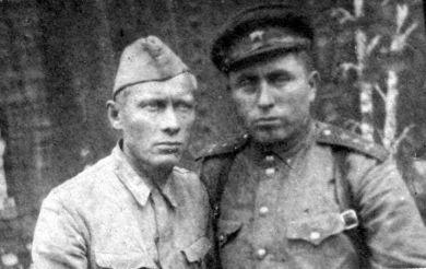 Захаров Александр Петрович (справа)