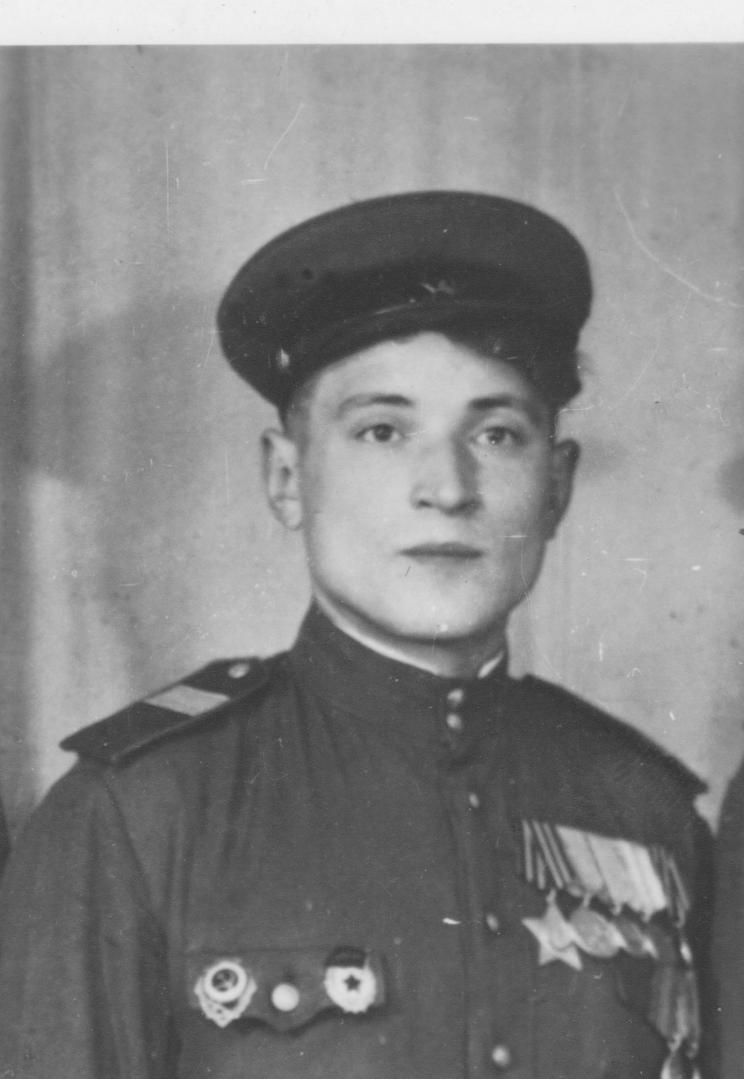 Герои Великой Отечественной и современные подонки.