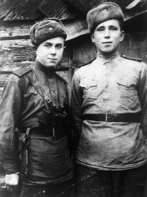 Слева - Шевнин Борис Николаевич