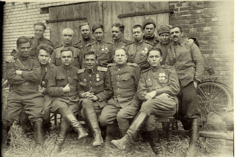 Бойцы и командиры 415 сд