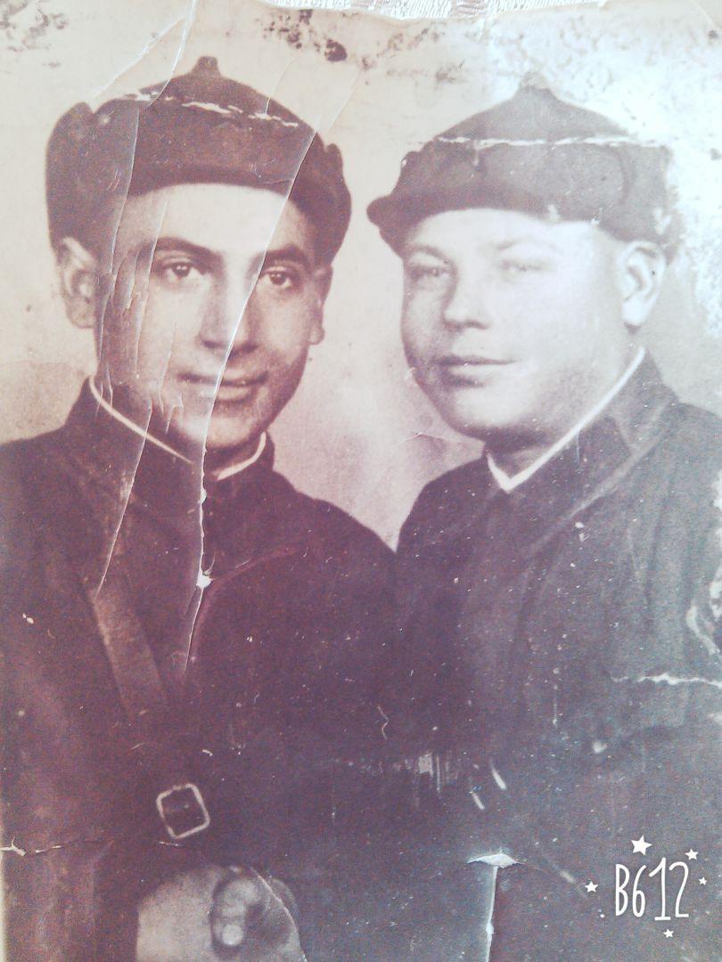 Княз Абрамович Варданян (слева)