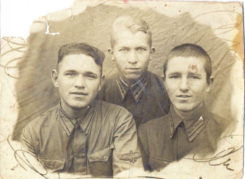Василий Павленко (слева)