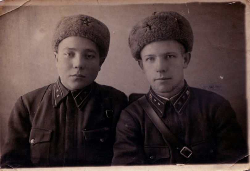 Купрюшкин Петр (слева),  Дорохов Дмитрий (?)
